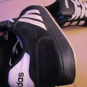 ADIDAS SHOES MENS RUNNING JOGGING SPORT SIZE 11